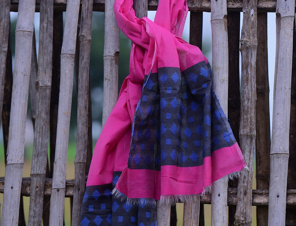 Handwoven Magenta Tussar Stole with a Buti Design