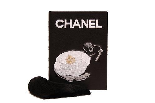 Chanel Clutch book