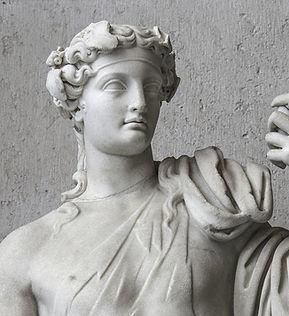 Alte Stein-Skulptur