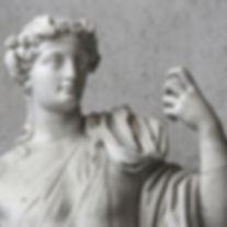 古代の石の彫刻