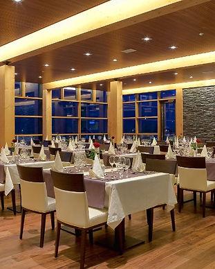 Restaurant_mres.jpg