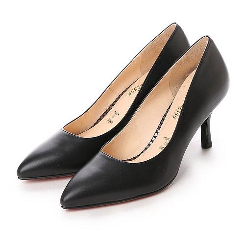 Smooth pumps Black