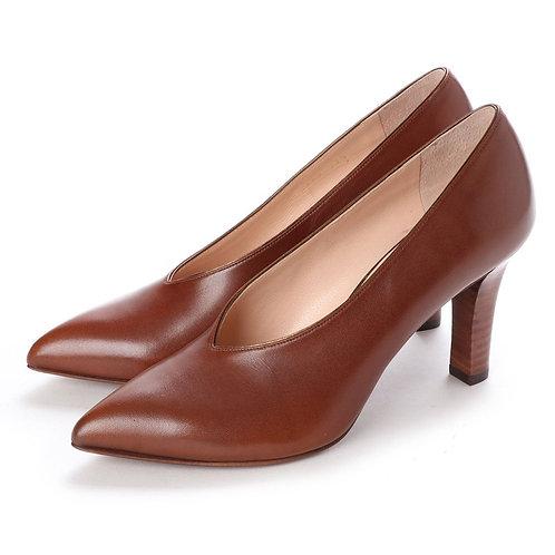 V cut heel pumps Brown