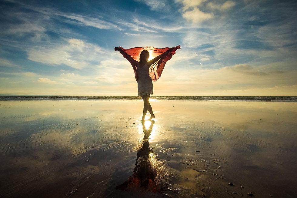 hand-beach-sea-sand-ocean-horizon-791086