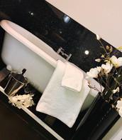 The Manor House - Oake Bathroom