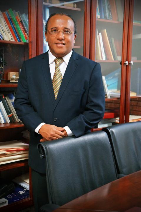 Lic. Bernardo Ledesma.