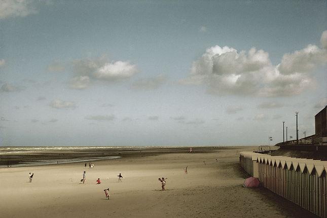 France, Baie de Somme, Plage de Fort Mahon, 1991© Harry Gruyaert/Magnum Photos
