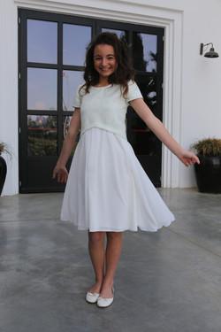 שמלת שיפון לבנה וברוקד