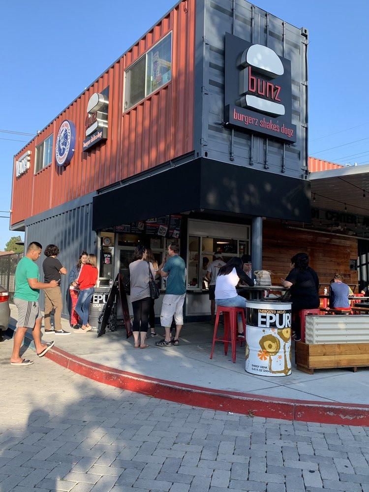 bunz-burgers-restaurant (14).jpg