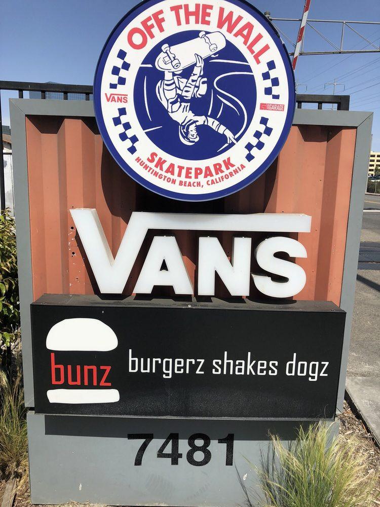 bunz-burgers-restaurant (6).jpg
