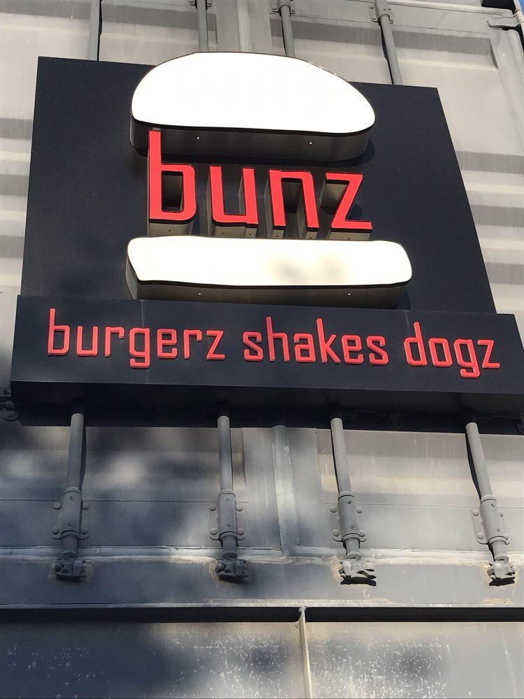 bunz-burgers-restaurant (3).jpg
