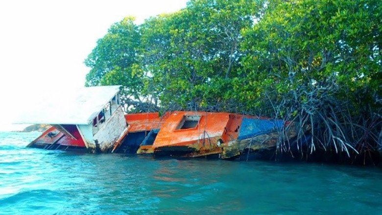 Caribbean boats damaged by storms
