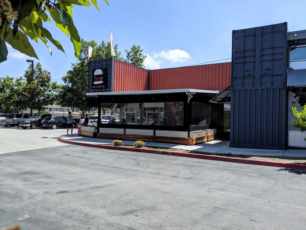 bunz-burgers-restaurant (17).jpg