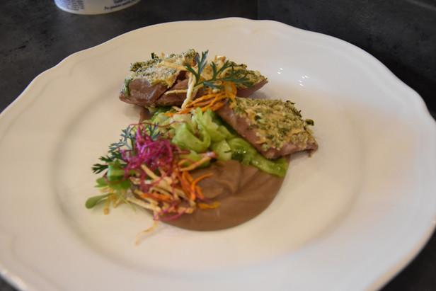 Dančí steak s bylinkovou krustou
