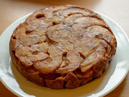 DELICIOUS VEGAN APPLE DATE CAKE