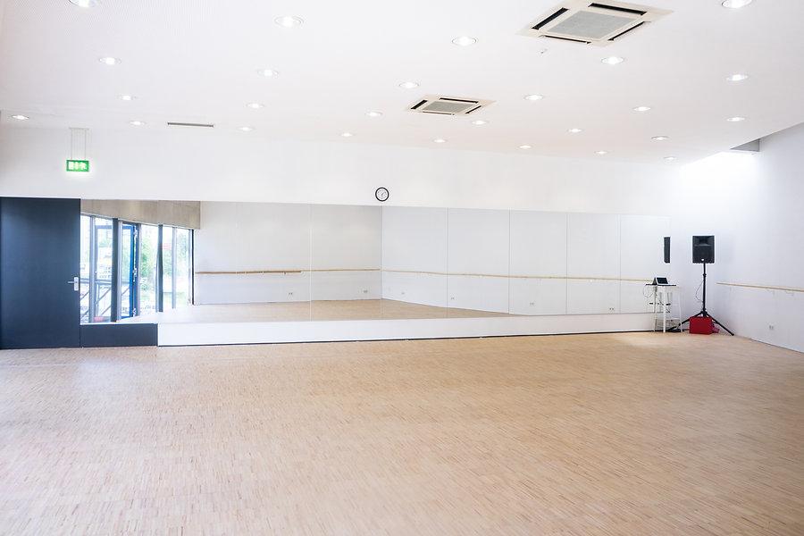 Studio Photo (3).jpg