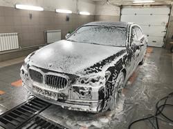 Мойка BMW 750i