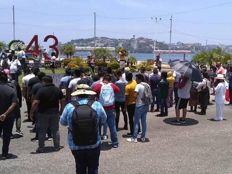 Marchas normalistas por la Costera