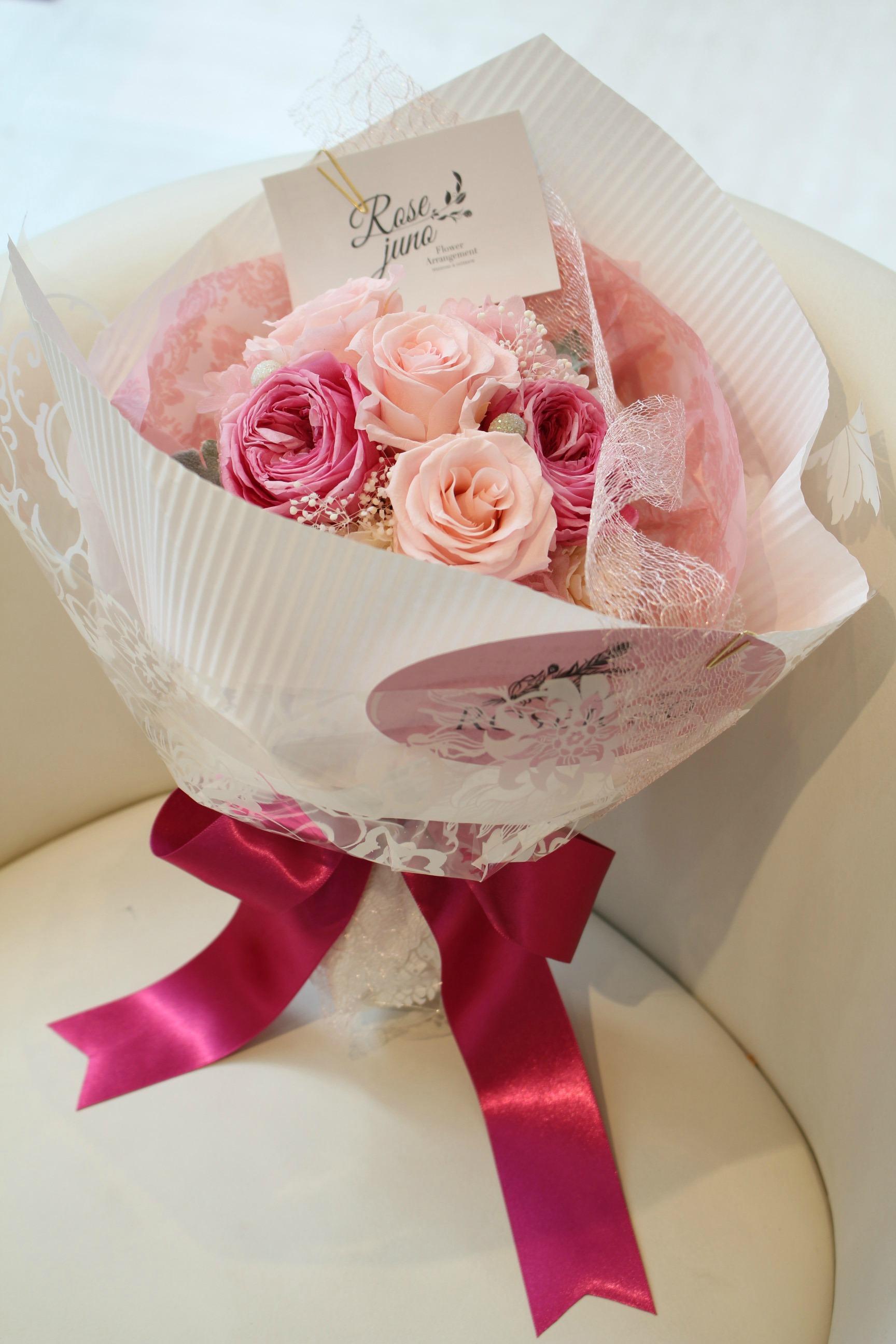 プリザーブドフラワーの花束