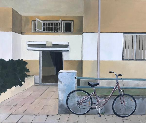 כניסה בתל אביב עם אופניים.jpg