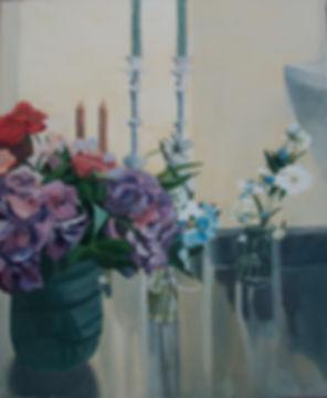 Freddy'sציור דומם נרות שבת ופרחים עם השתקפות במטבח kitchen, shabbat candles