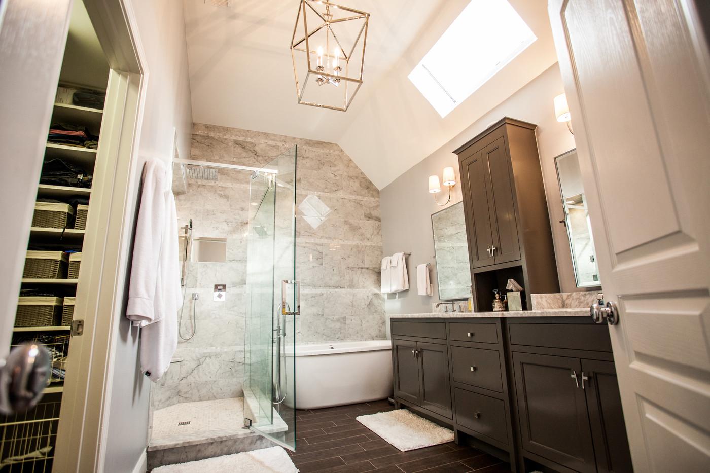 Figur Construction Bathroom Remodel