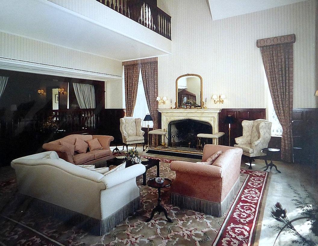 Ritz Carlton HK 2 - Beatrice Hsu.png