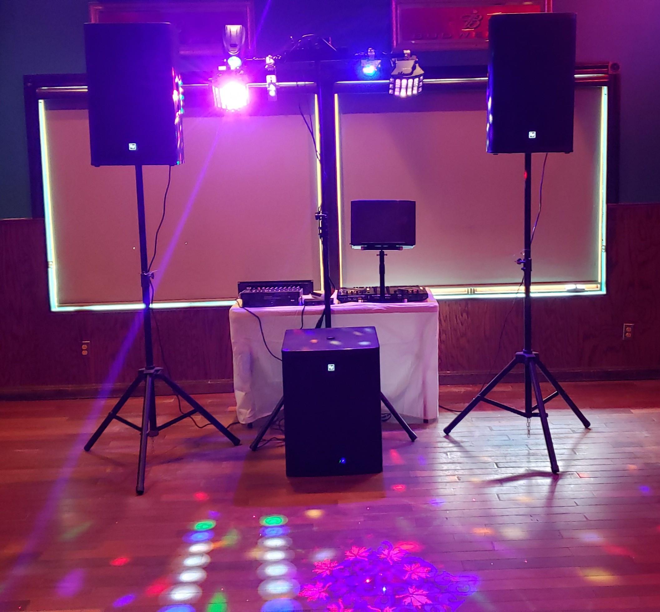 DJ & Entertainment w/ lights (50 People)