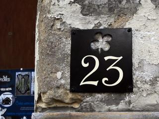 Plaque personnalisée numéro de maison TRÈFLE