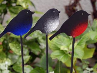 Déco en métal, les oiseaux au jardin ROUGE-GORGE