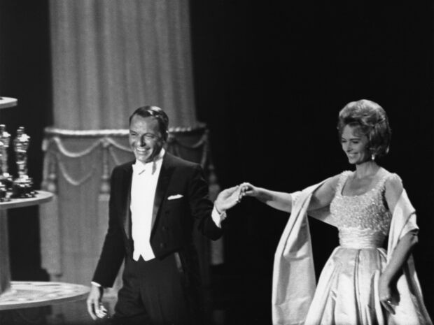 Donna Reed Presenting with host Frank Sinatra