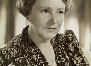 Fay Holden appeared with Andy Rooney more times than Donna Reed