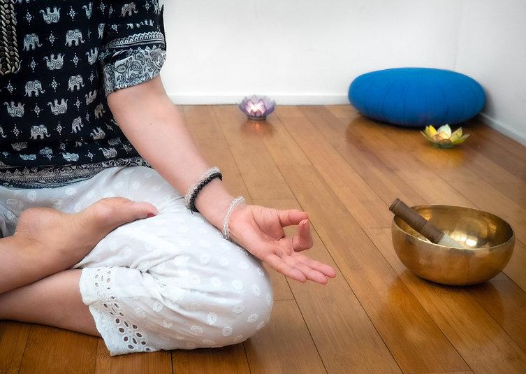 Association-So-Relax_Yoga-Méditation-sophrologie_Malakoff-Paris_visio-salle_Mudra