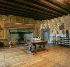 mobilier-et-fresques-du-chateau-d-anjony