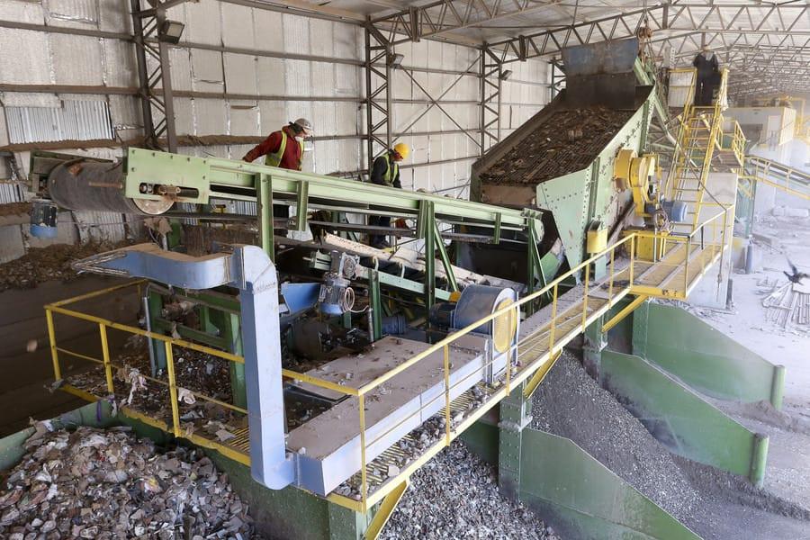 reciclaje de residuos contenedores de escombros