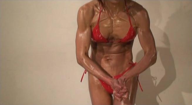 「筋肉系モデル 4 」宮良美里