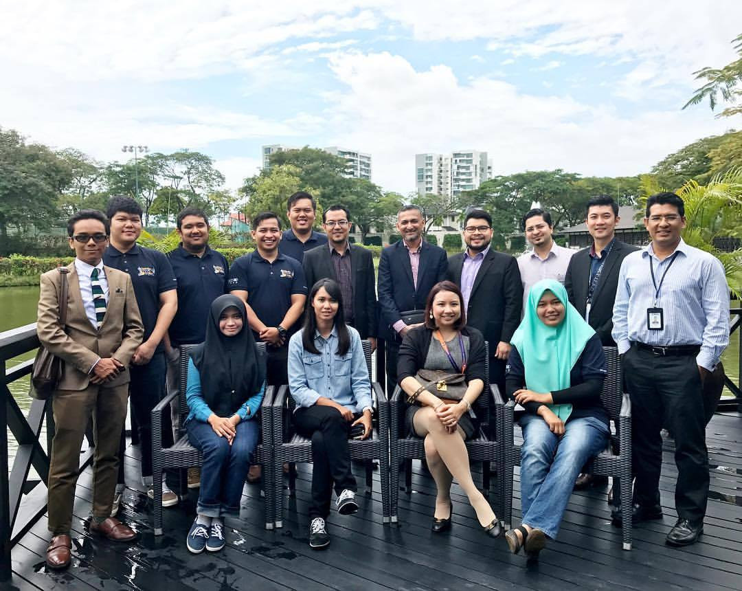 Luncheon with Peneraju Professional Jurutera Lokomotif graduates, and  Yayasan Peneraju (12 Oct 2016)