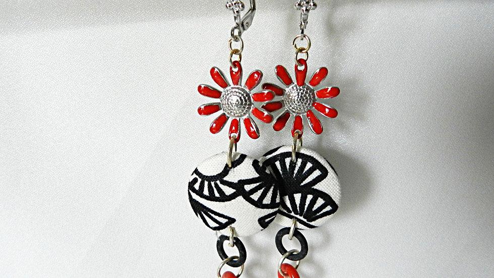 Boucles d'oreilles en tissu noir et blanc, avec fleur rouge