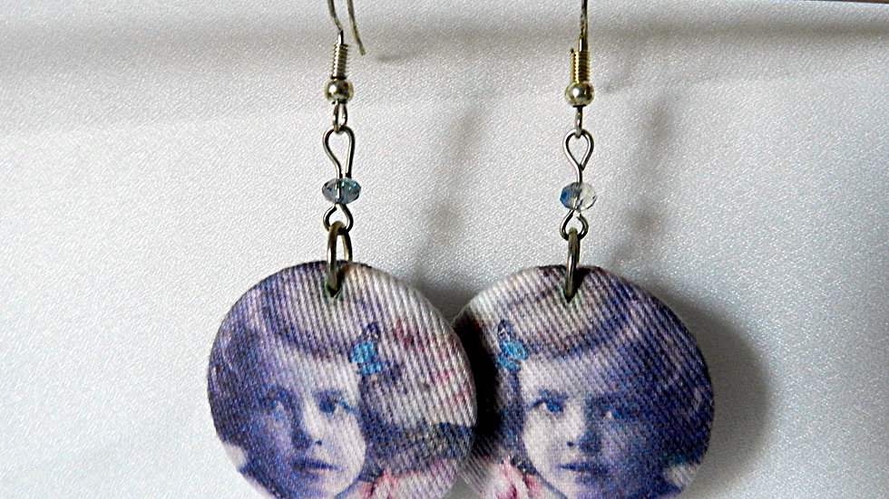 Boucles d'oreilles en tissu rose, avec photo de fillette rétro