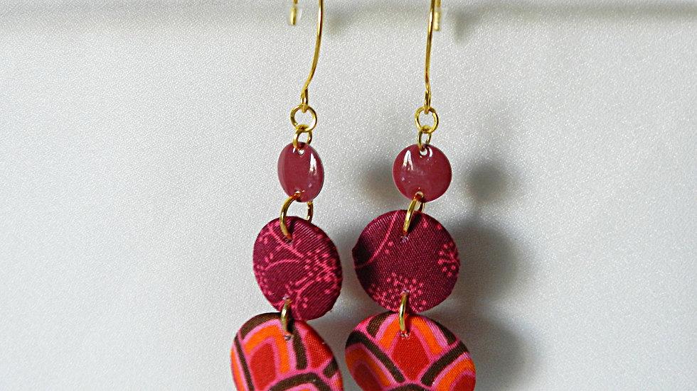 Boucles d'oreilles en tissu rose et rouge