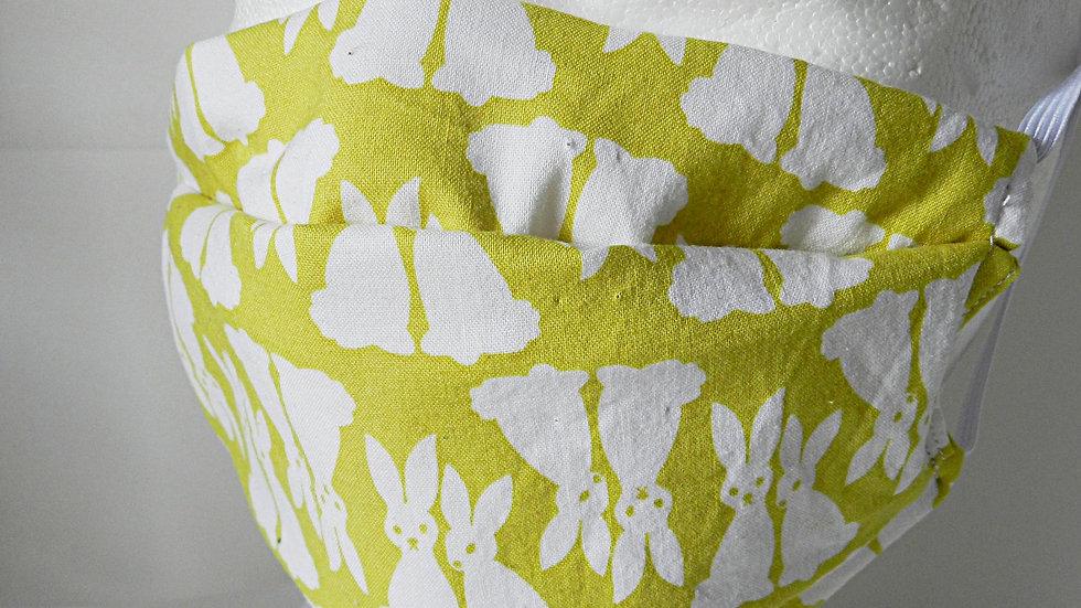 Masque 3 couches en tissu vert avec lapins blancs, lavable