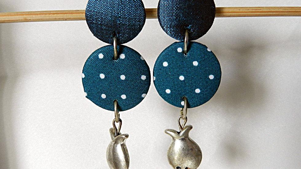 Boucles d'oreilles en tissu bleu à pois blancs, avec poisson