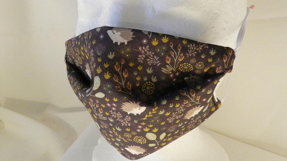 Masque 3 couches en tissu motif hérissons, lavable