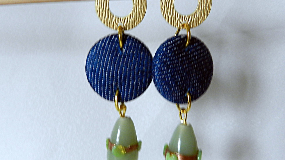 Boucles d'oreilles en jean avec perle de verre kaki