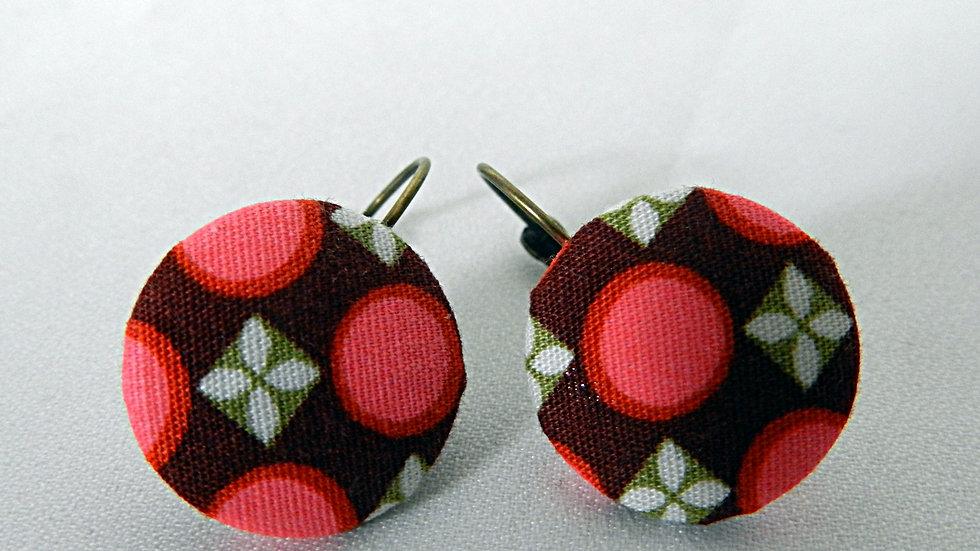 Boucles d'oreilles dormeuses en tissu marron et rose