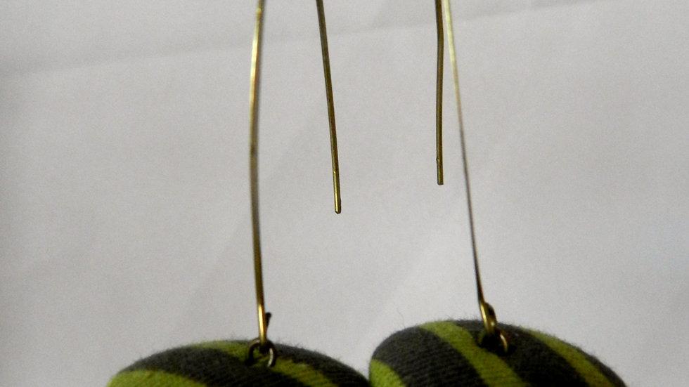 Boucles d'oreilles en tissu vert rayé