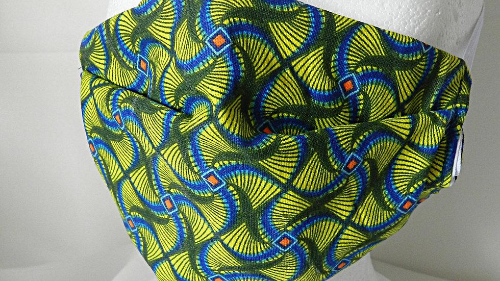 Masque 3 couches en tissu wax graphique bleu et vert, lavabl