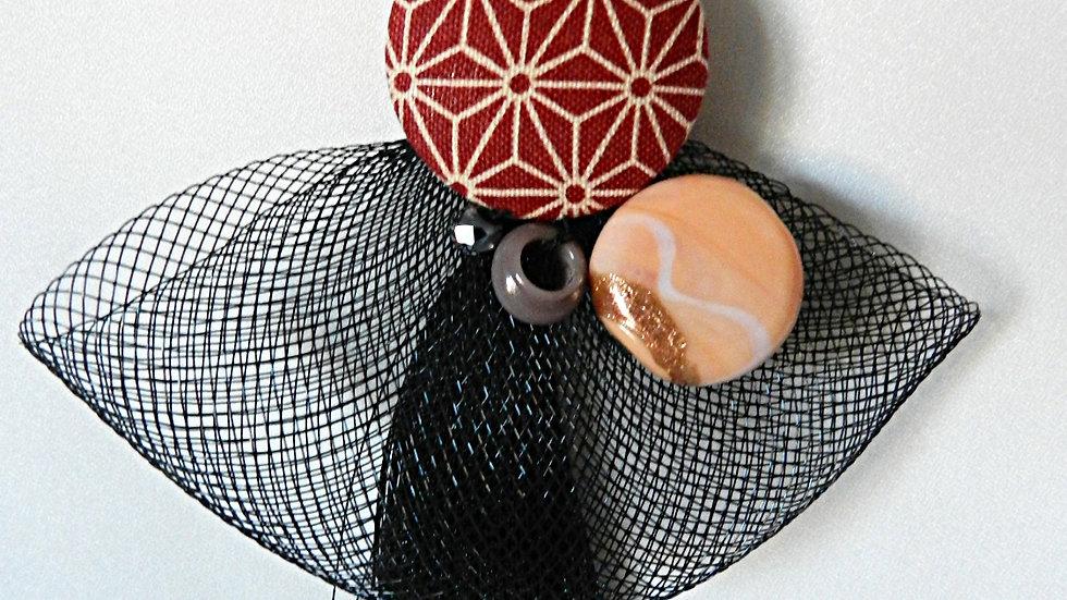Sautoir en tissu japonais graphique bordeaux, avec pompon