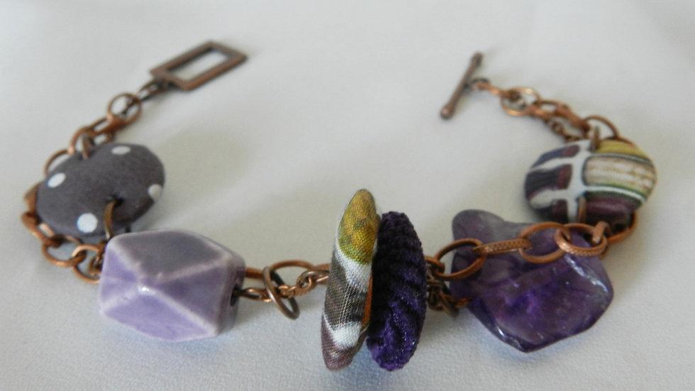 Bracelet, perles de tissus violets