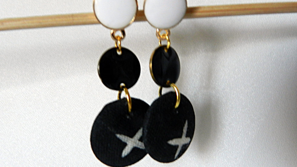 Boucles d'oreilles en tissu noir et blanc